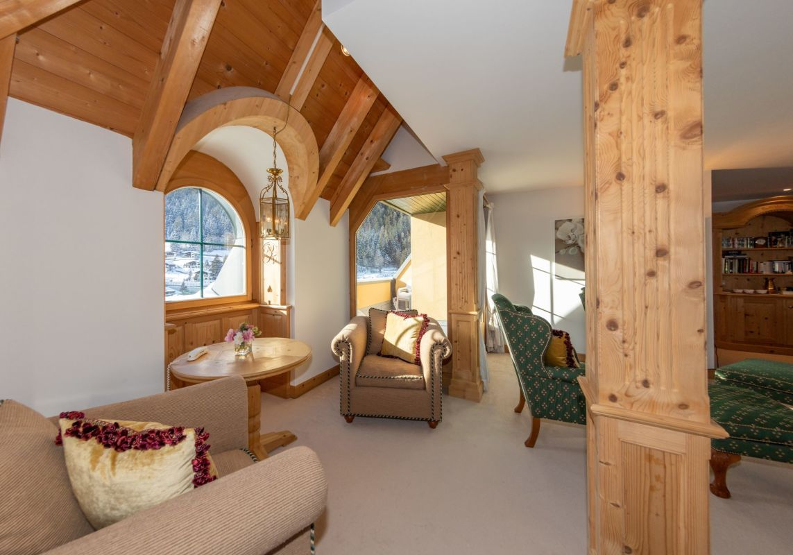 Juwel in Klosters: 4½-Zimmer-Turm-Wohnung im Dachgeschoss des Boutique-Hotels Vereina