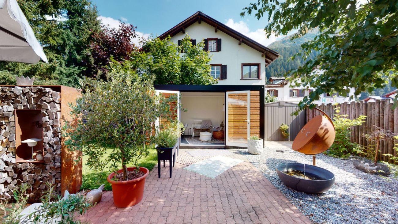 Einfamilienhaus inmitten der Bündner Bergwelt