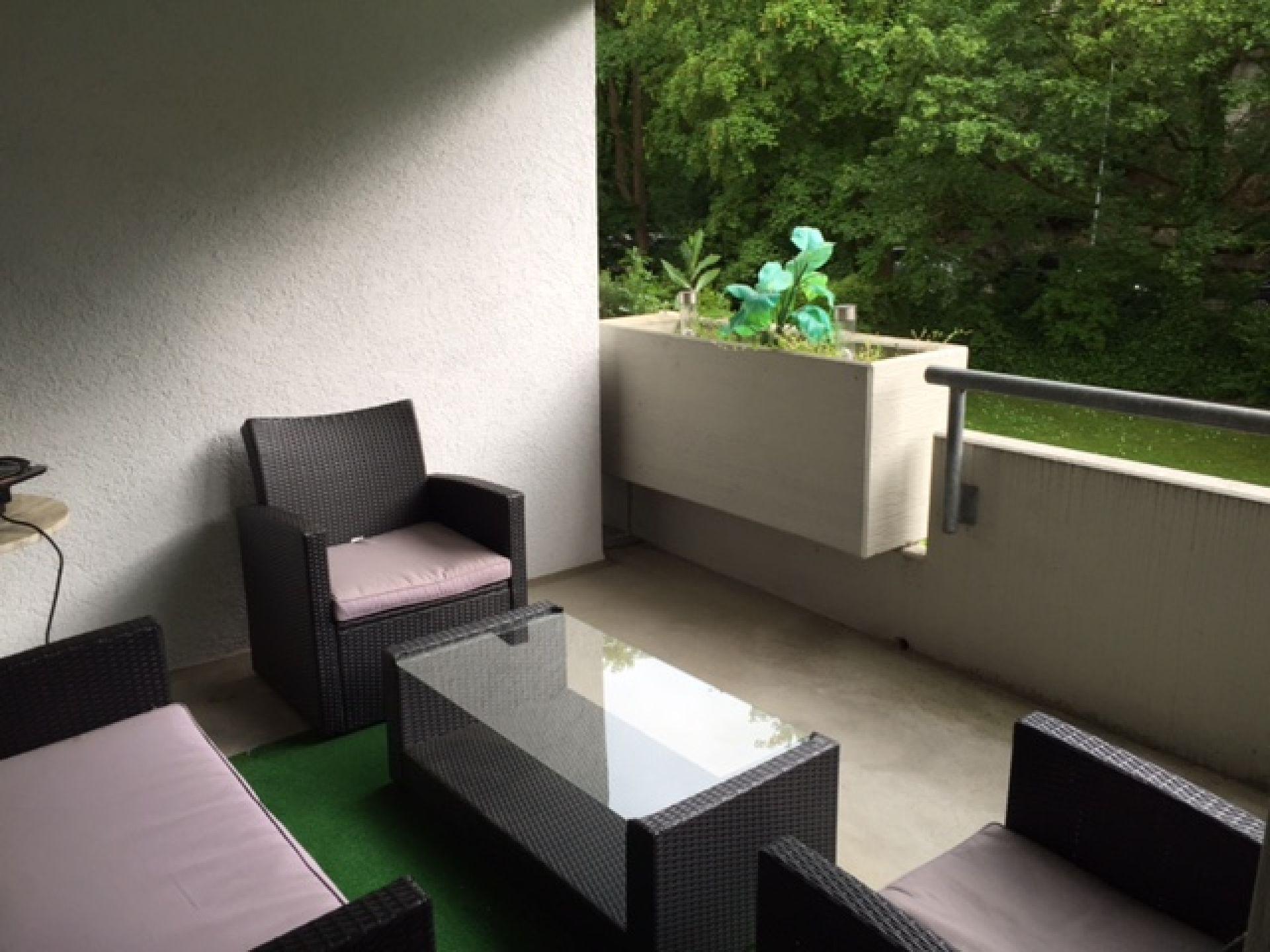 Miete: gemütliche Wohnung mit Balkon