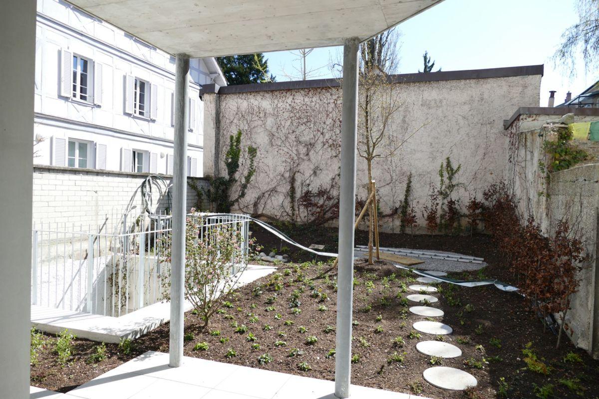Sitzplatz mit Garten