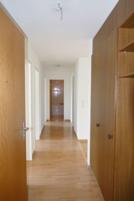 Eingangsbereich mit Garderobe und Wandschrank