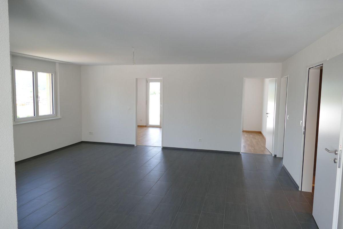 Wohnbereich mit Blick zu den Zimmern