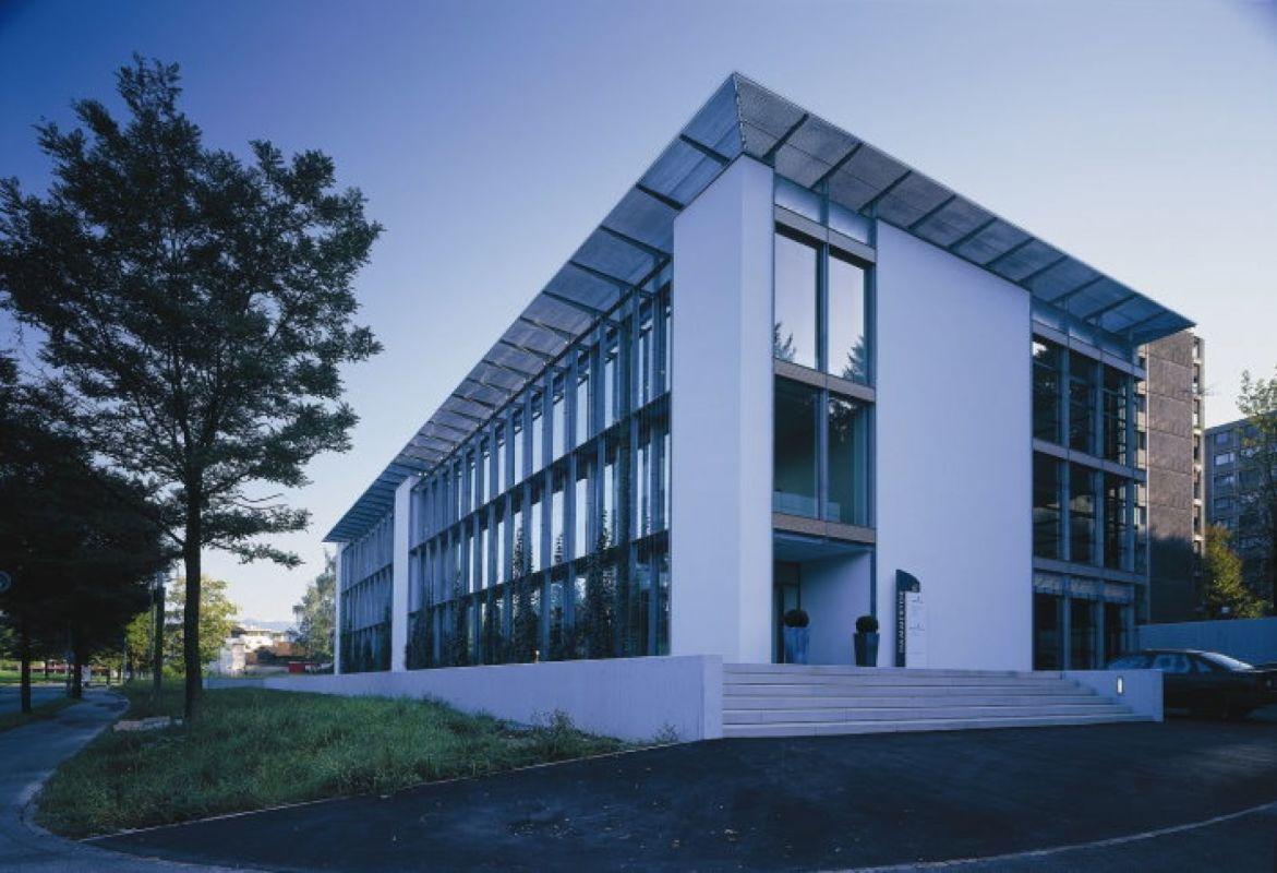Ausgebautes Büro in repräsentativem Geschäftshaus - nahe Autobahnanschluss