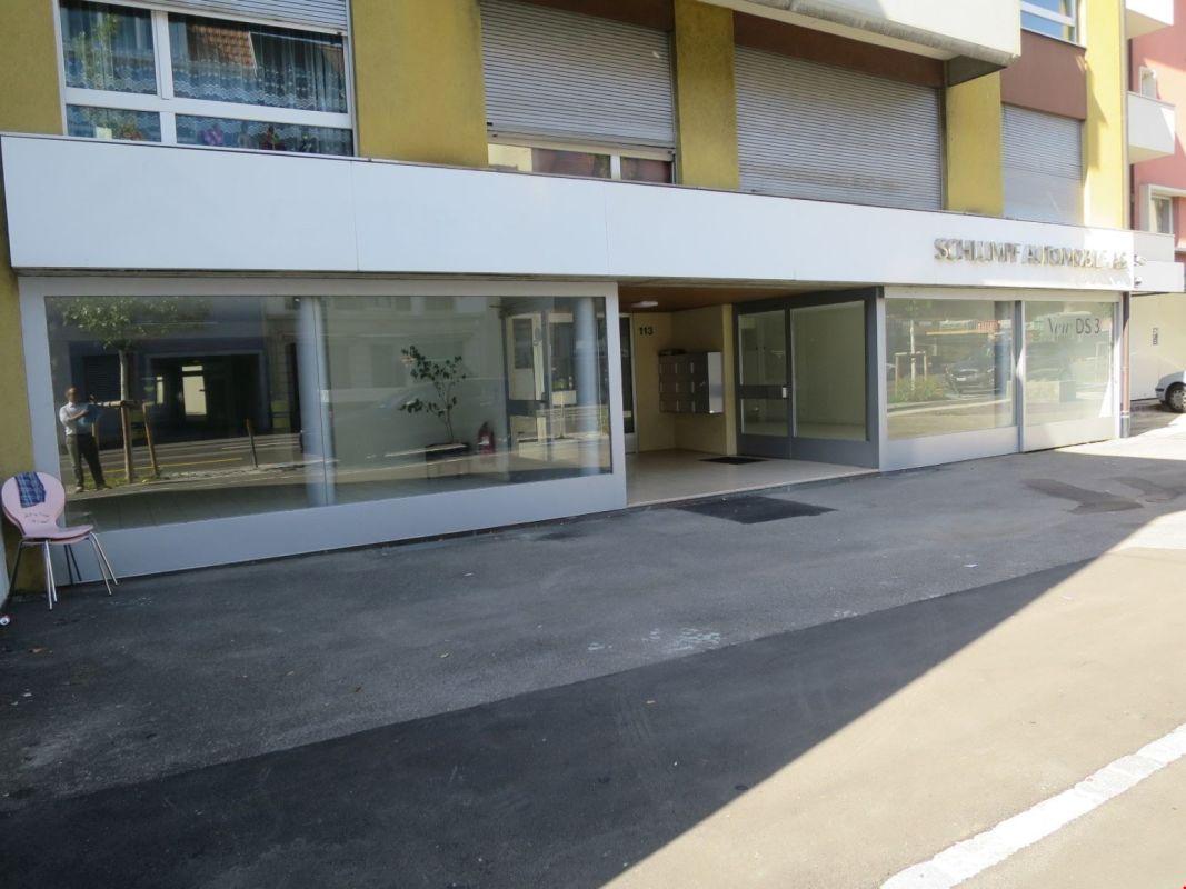 Ladenfläche/ Showroom an Hauptstrasse mit Tramanbindung