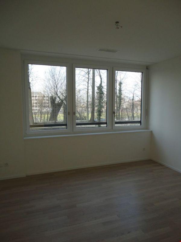moderne, grosszügige 3.5-Zimmerwohnung