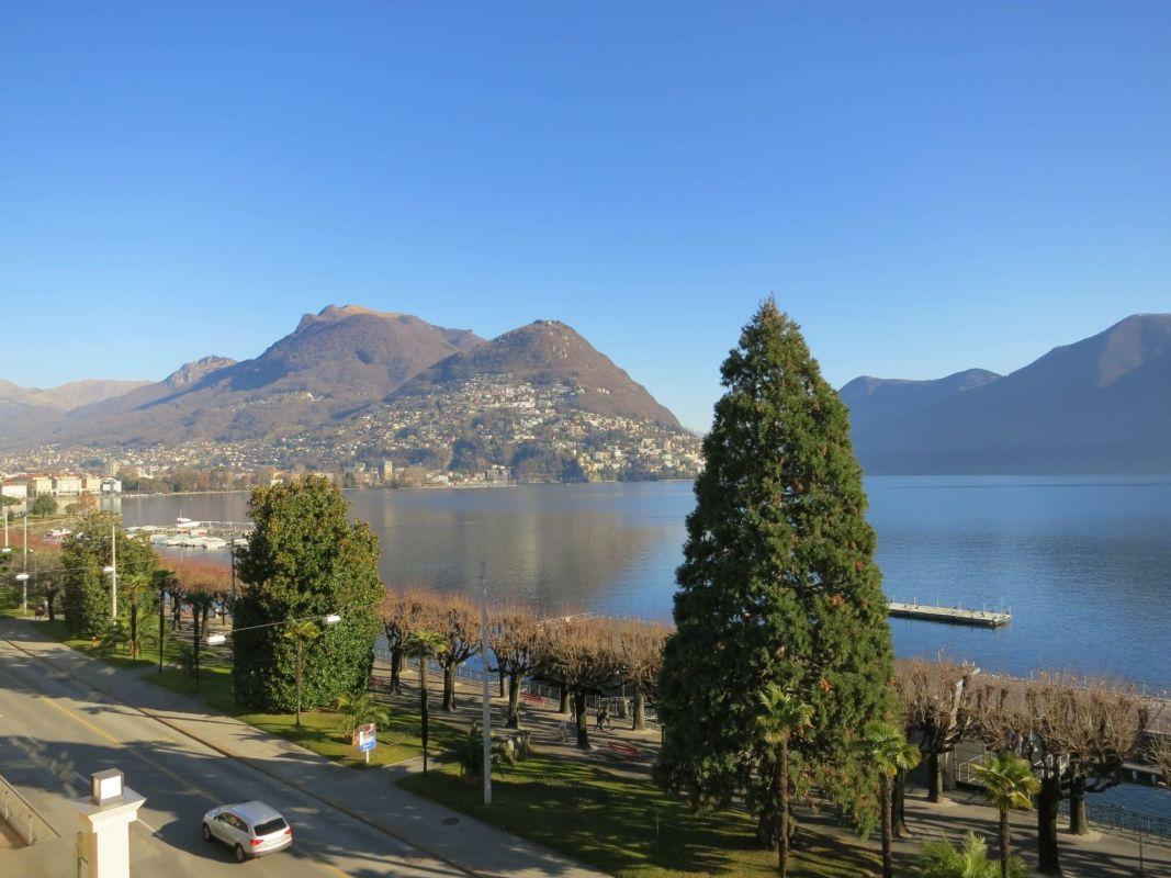 Lussuosi appartamento in prima fila sul lago di Lugano