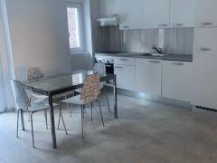 Cucina aperta sul grande soggiorno