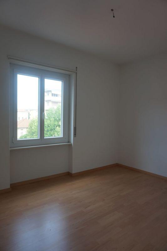 camera da letto con finestra