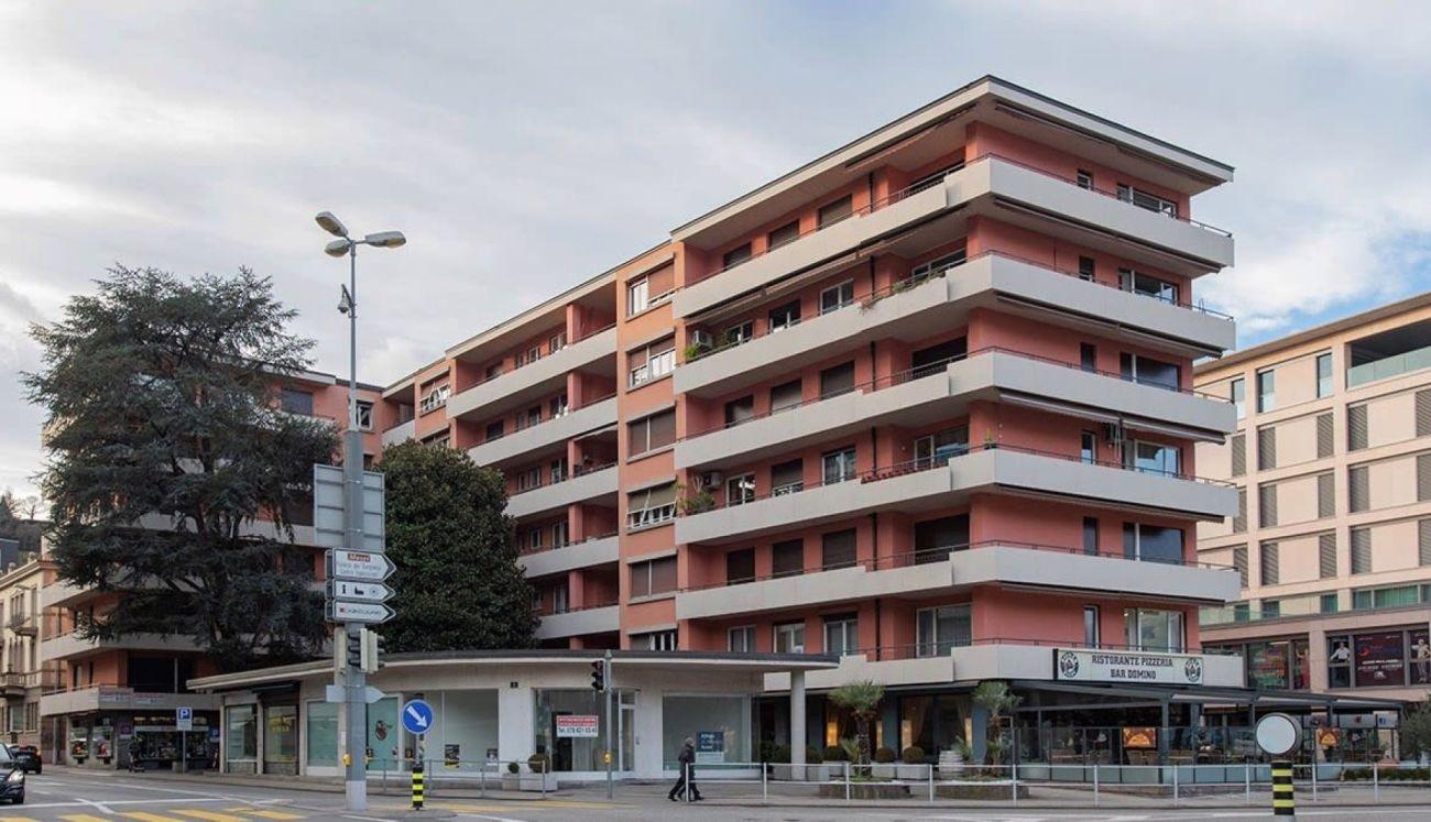 Negozio di 3 locali con ampie vetrine a Lugano