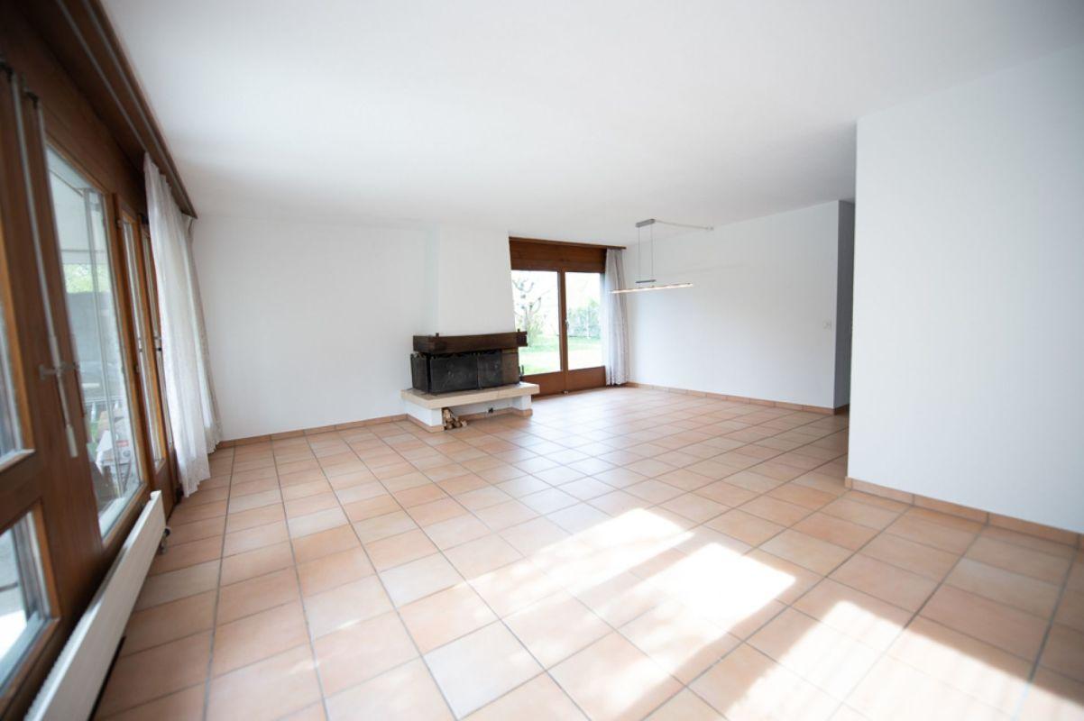 Wohn- und Essbereich mit Cheminée