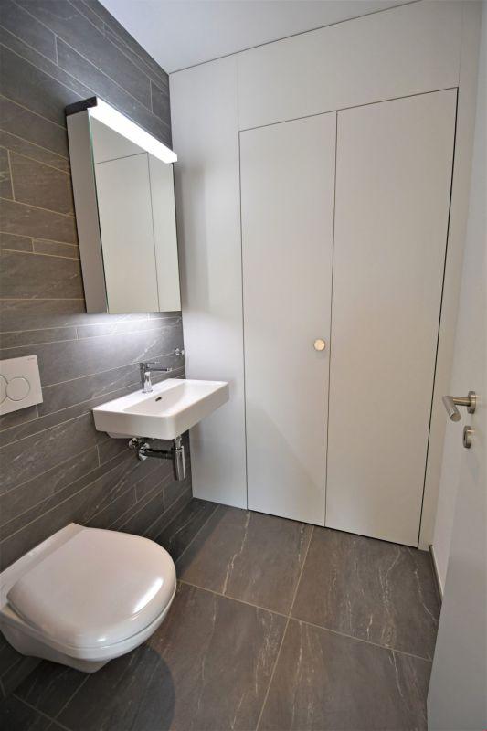Gäste-WC mit Reduit