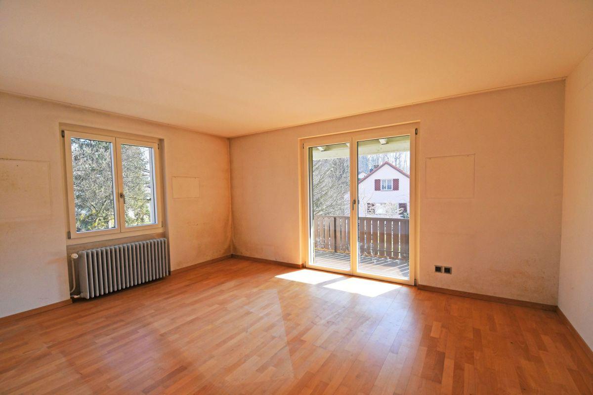 grösstes Schlafzimmer mit Balkon