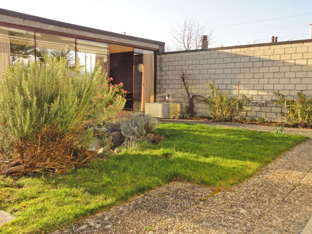 4.5 Zimmer-Parterre-Reihen-Einfamilienhaus mit Biotop