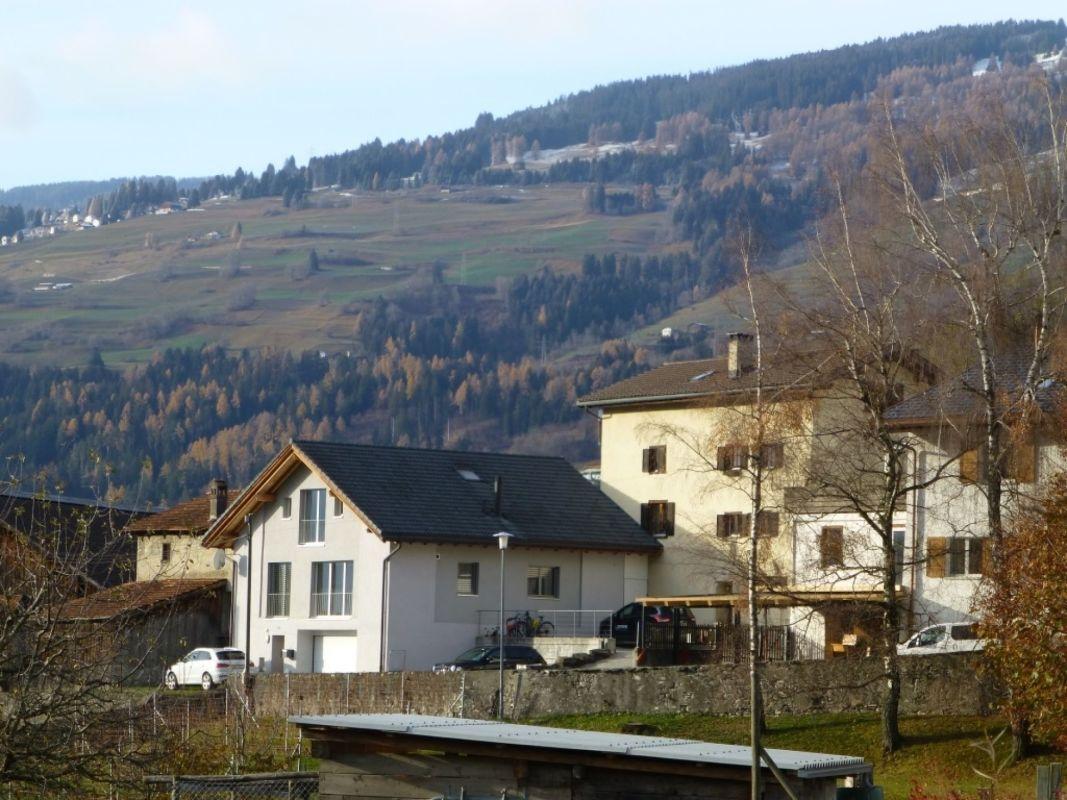 Blick vom Dorf Richtung Heinzenberg