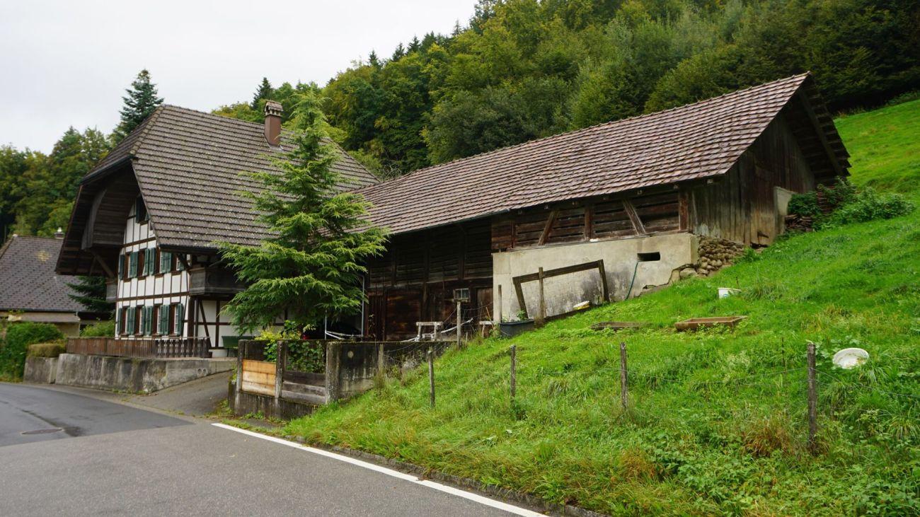 5 1/2-Zimmer-Bauernhaus mit Scheune