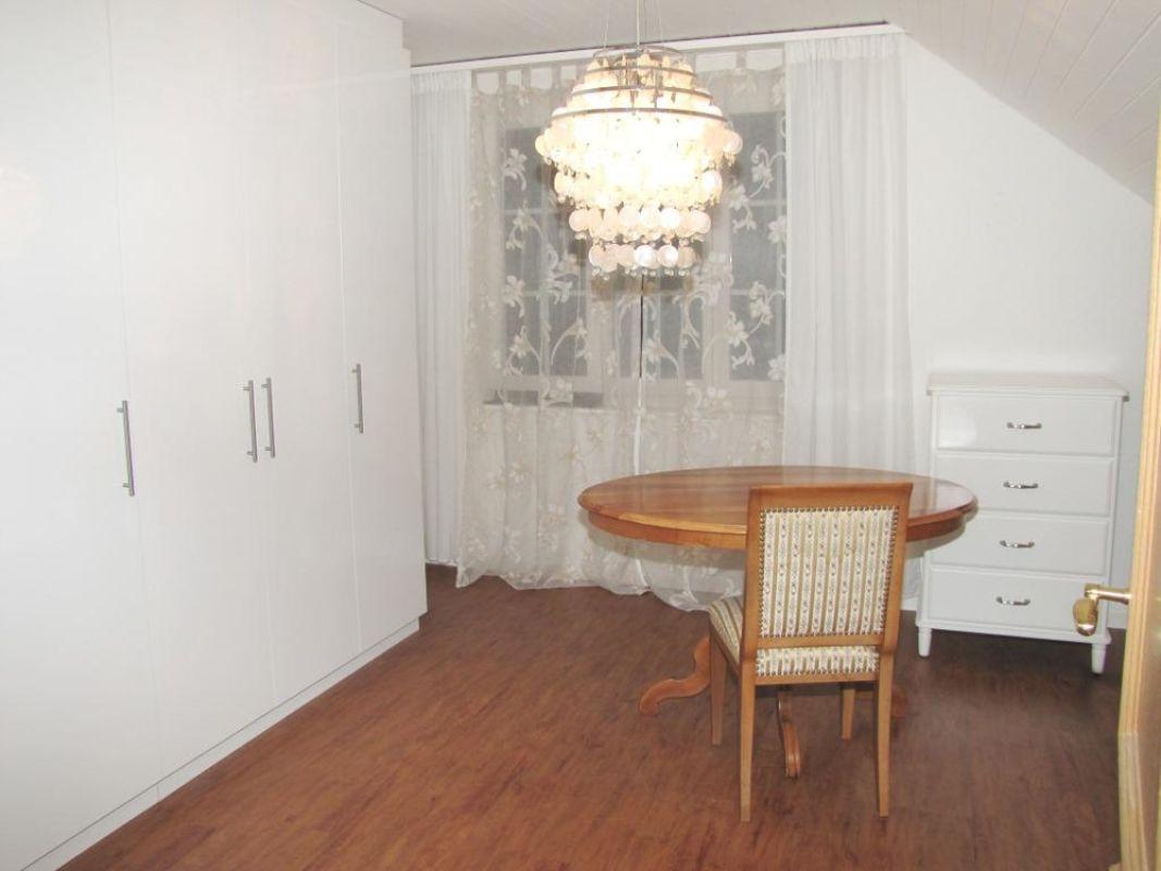 Zimmer mit Einbauschrank