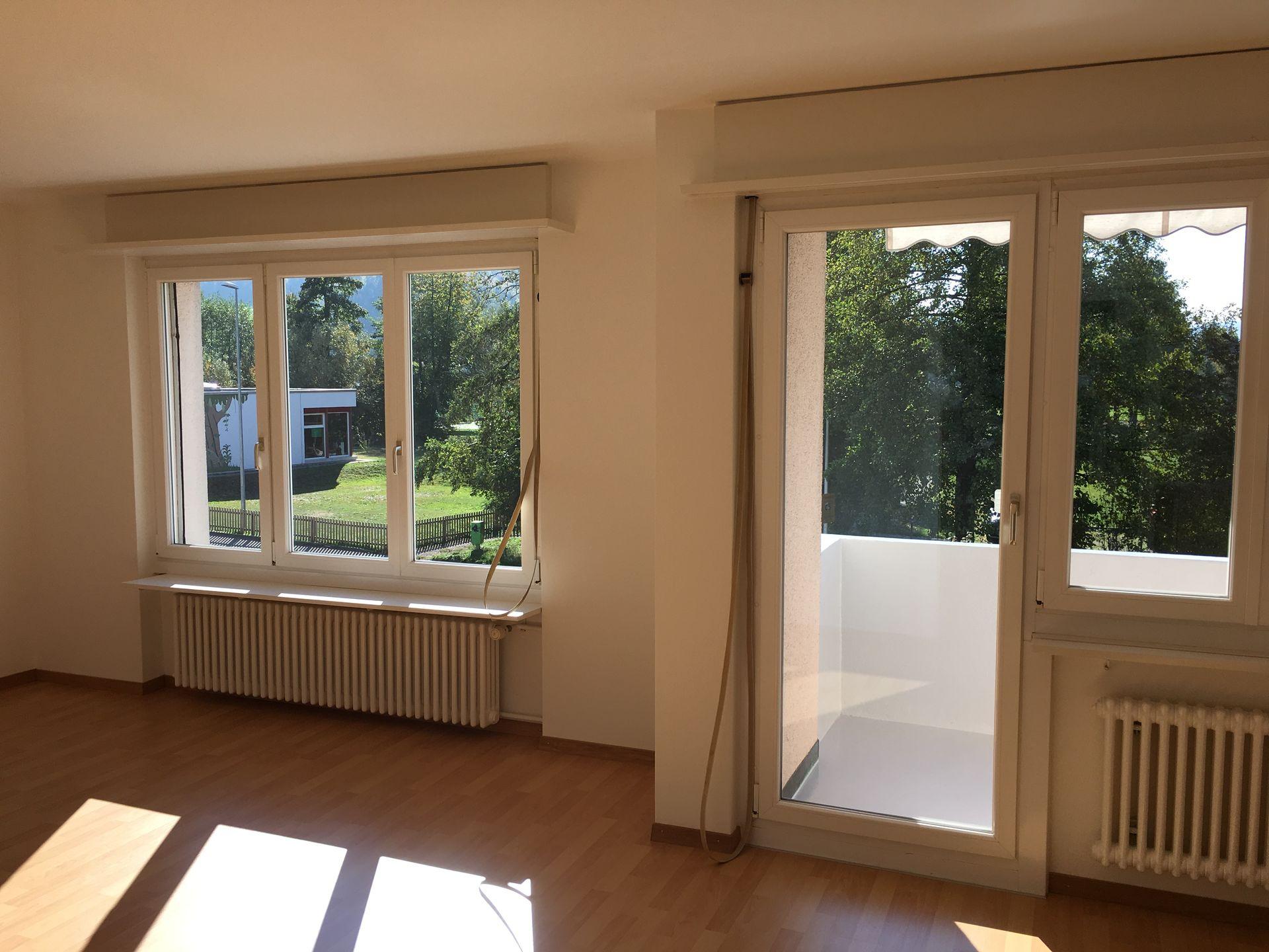 Miete: renovierte, sonnige Wohnung