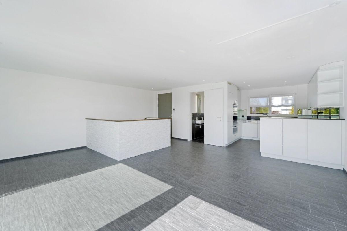 Küche - Wohnen - Eingang