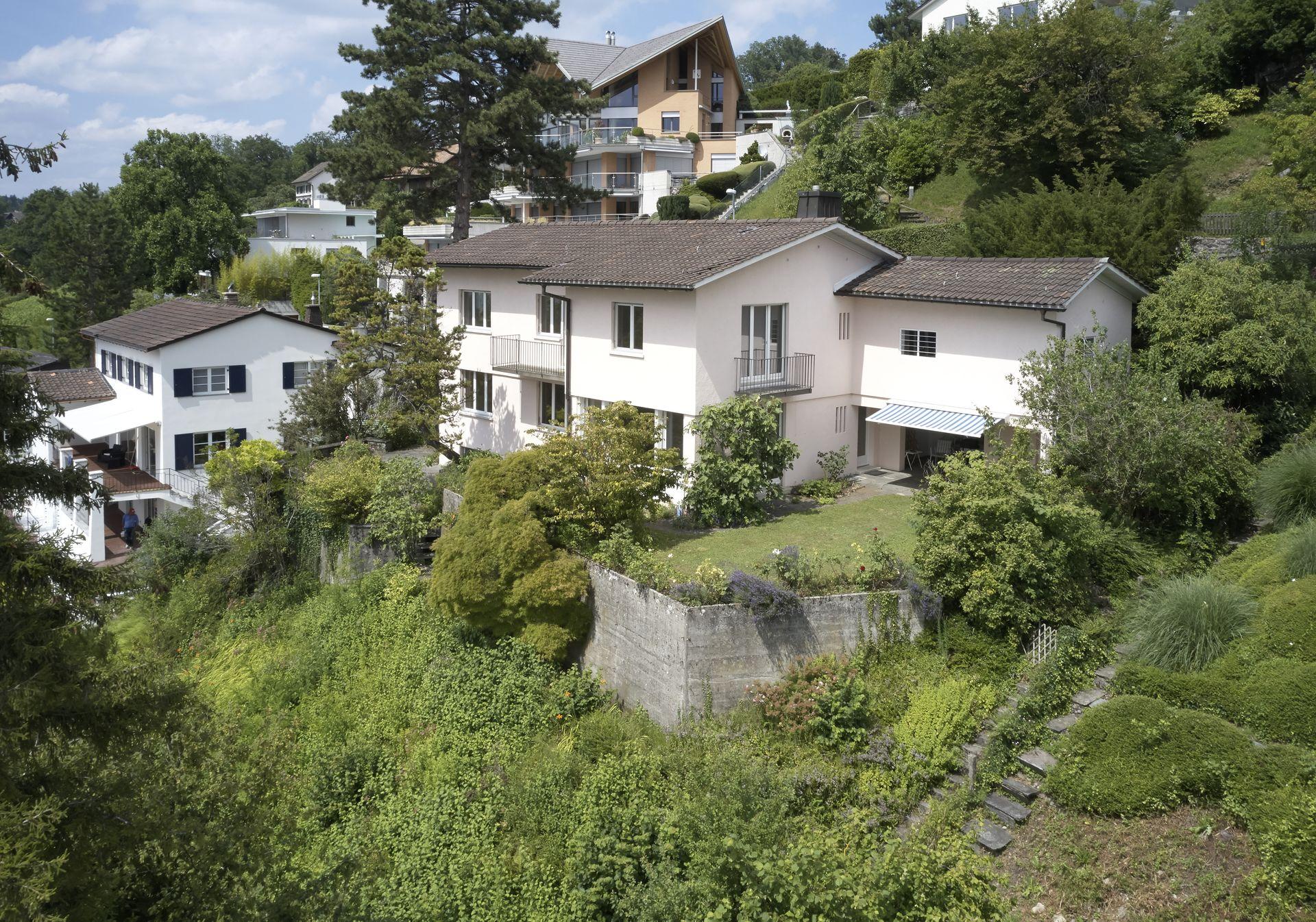 Miete: Einfamilienhaus mit wunderschönem Garten