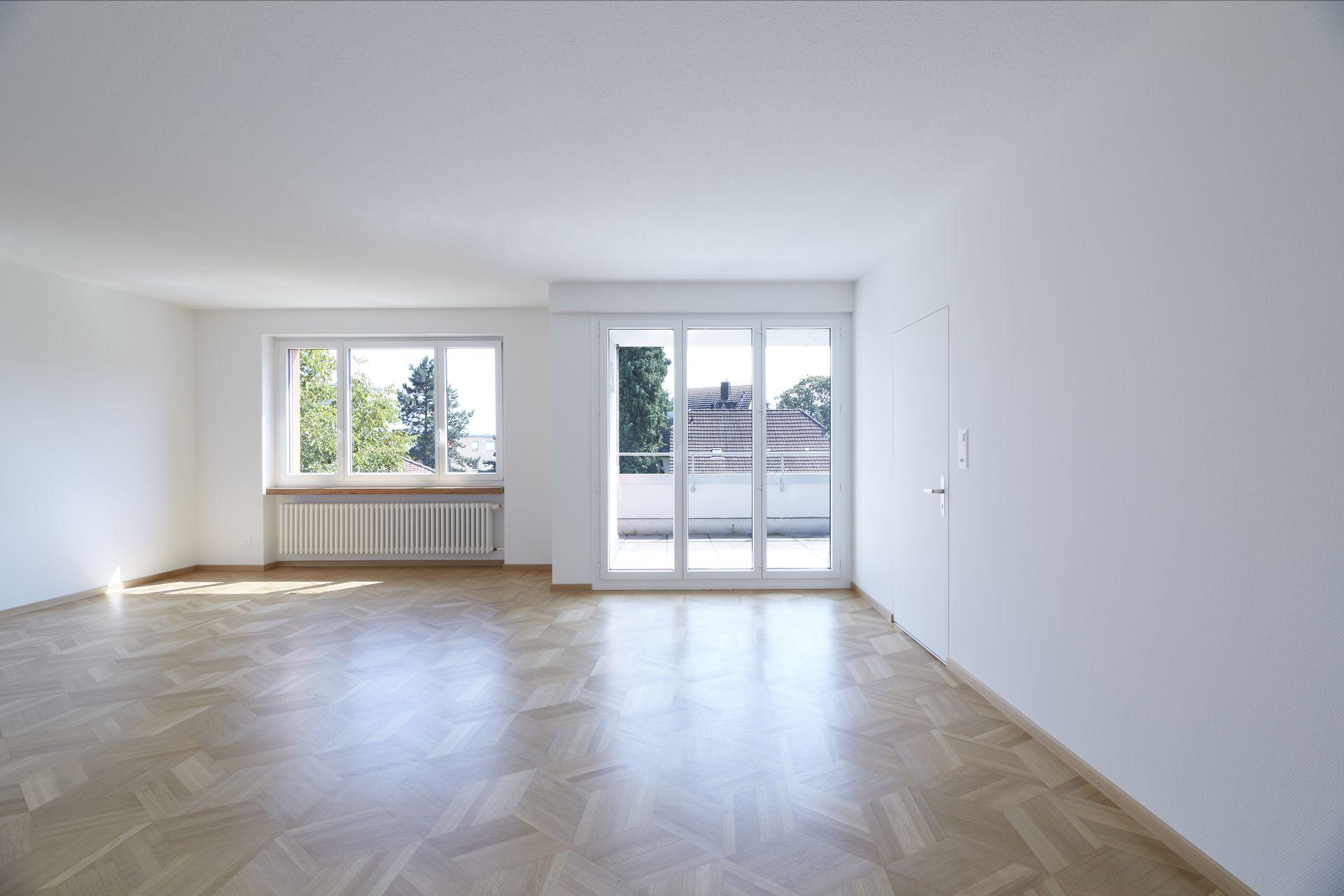 Miete: renovierte Wohnung mit Dachterrasse