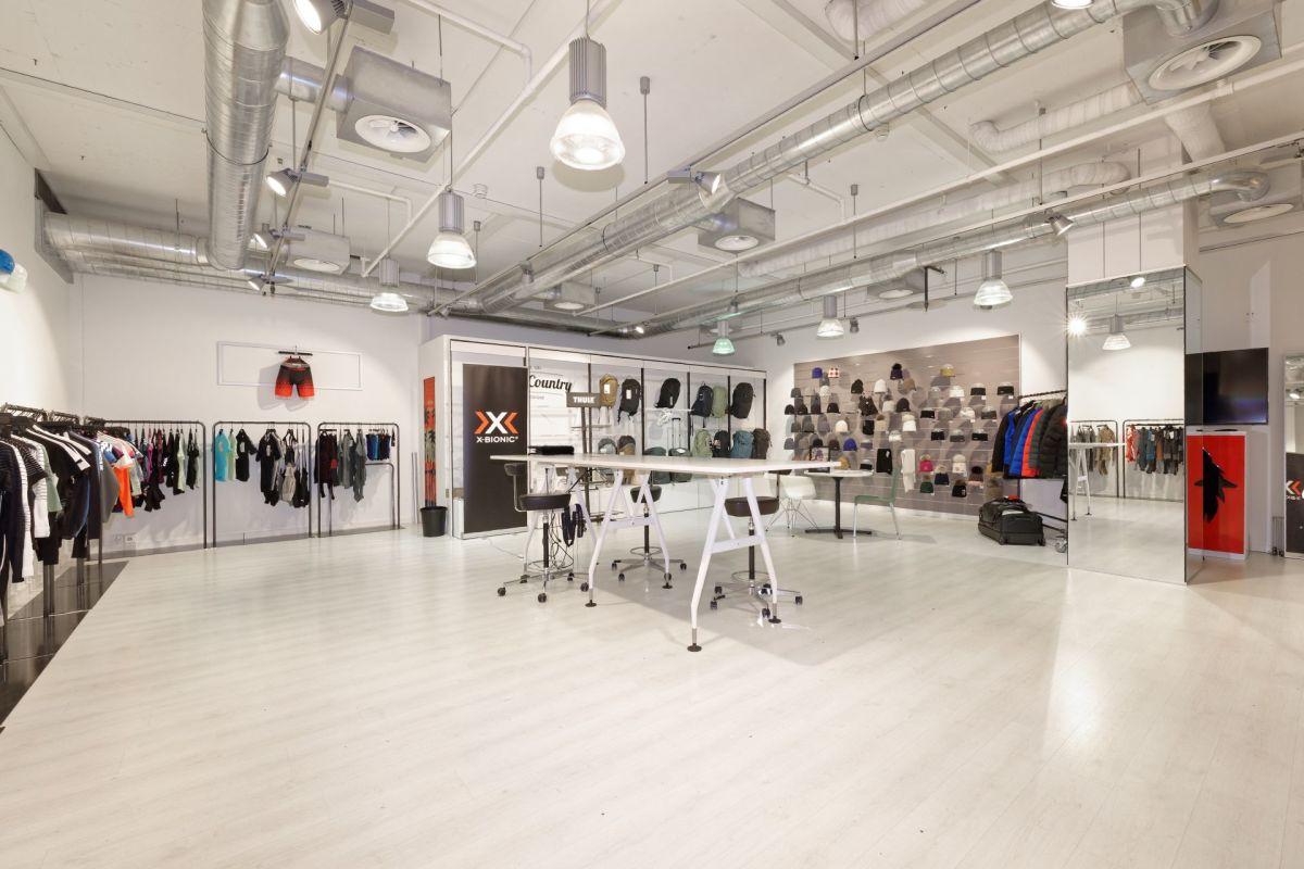 Showroom 160 - Innenbereich - könnte mit Showroom 158 verbunden werden
