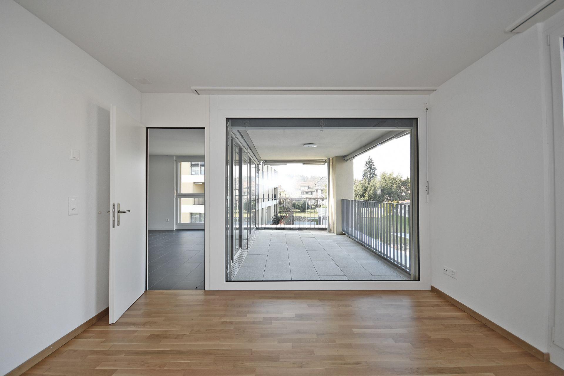 Schöne & moderne Wohnung in der Überbauung TRIO