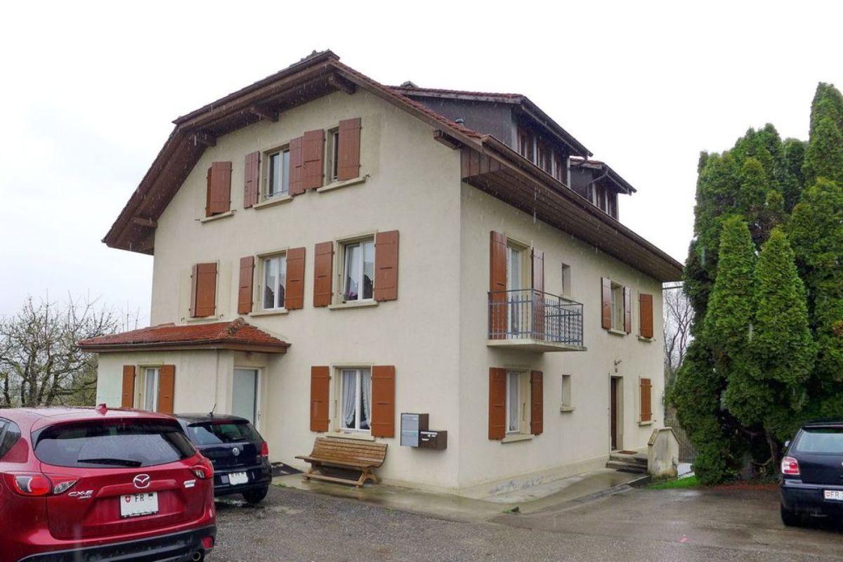Immeuble de rendement avec 3 appartements à St-Aubin (FR)