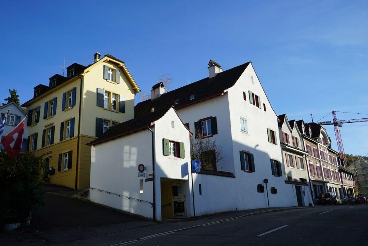 Charmante, grosszügige 3,5-Zimmer-Dachwohnung mit Cheminée