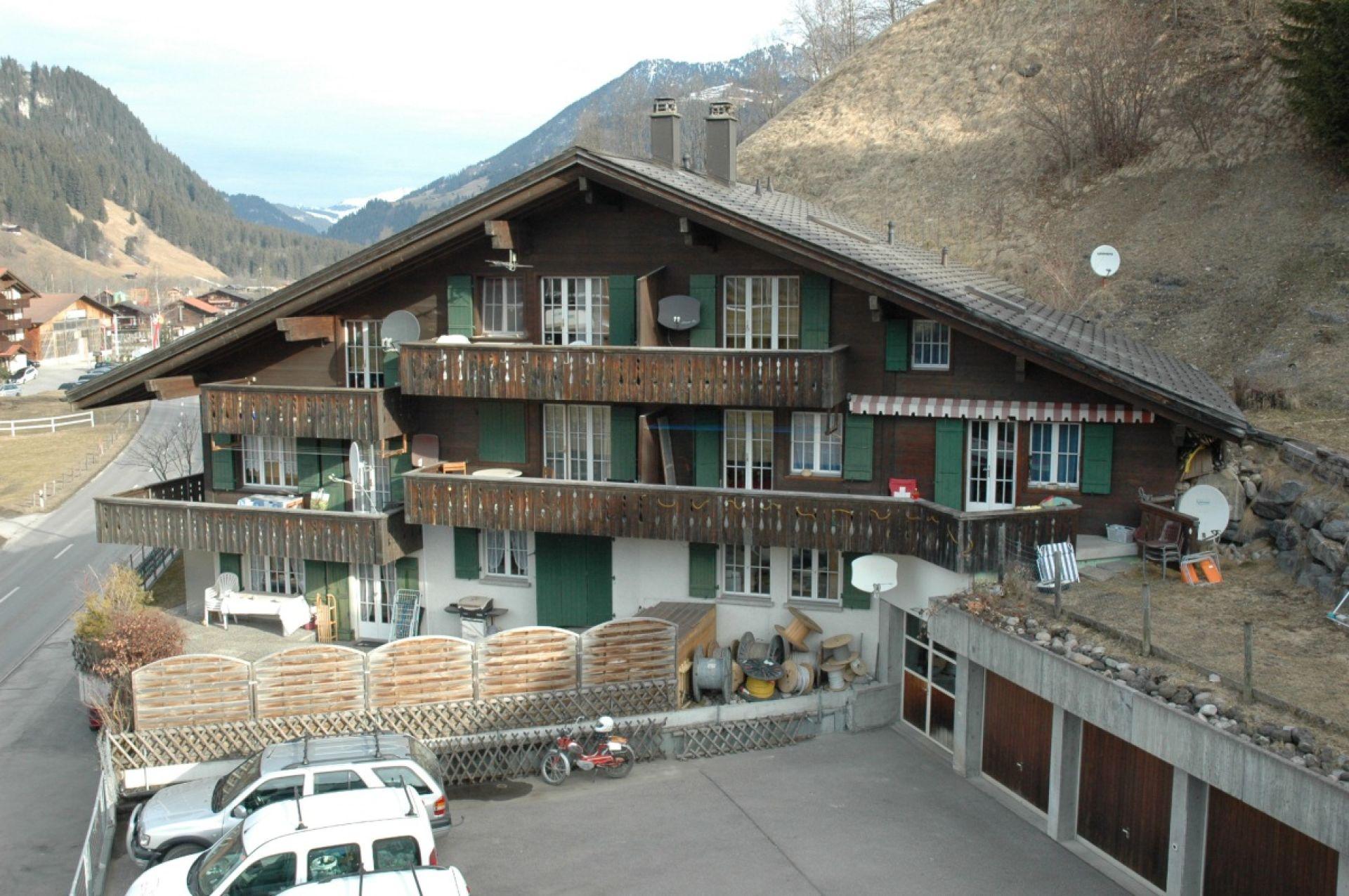Einfache Mietwohnung mit Balkon