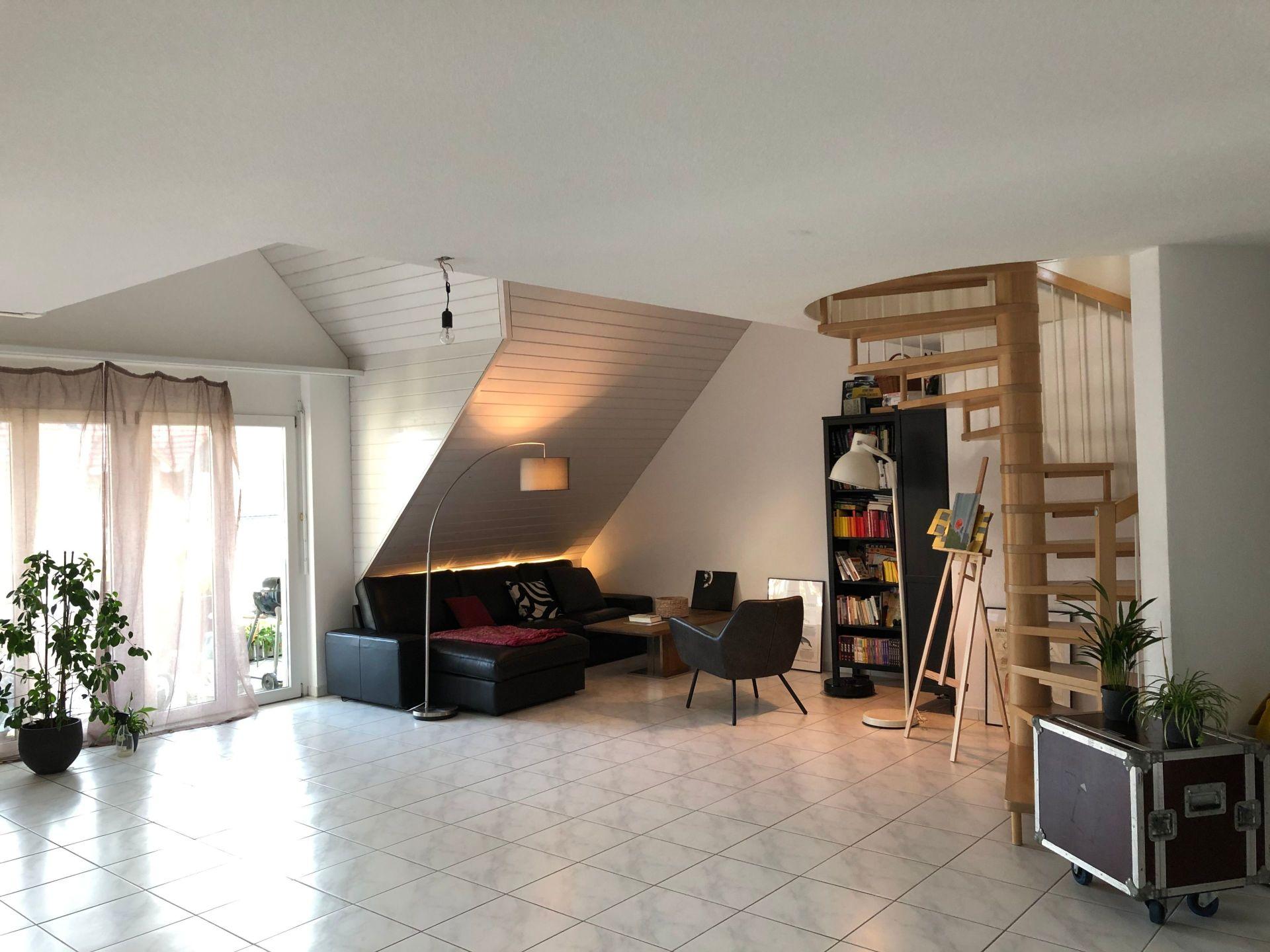 Exklusive Dachwohnung mit Ambiente