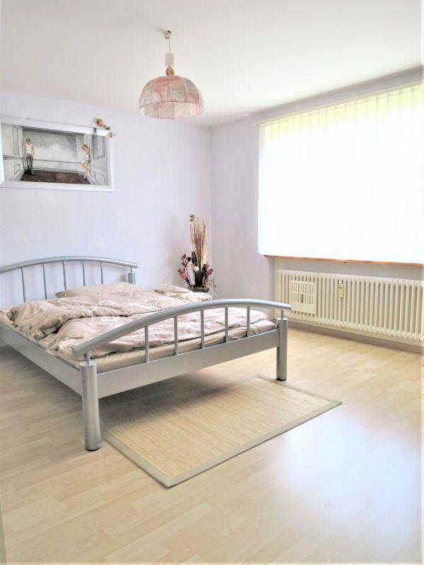 Eltern-Schlafzimmer, Wände komplett weiss gestrichen