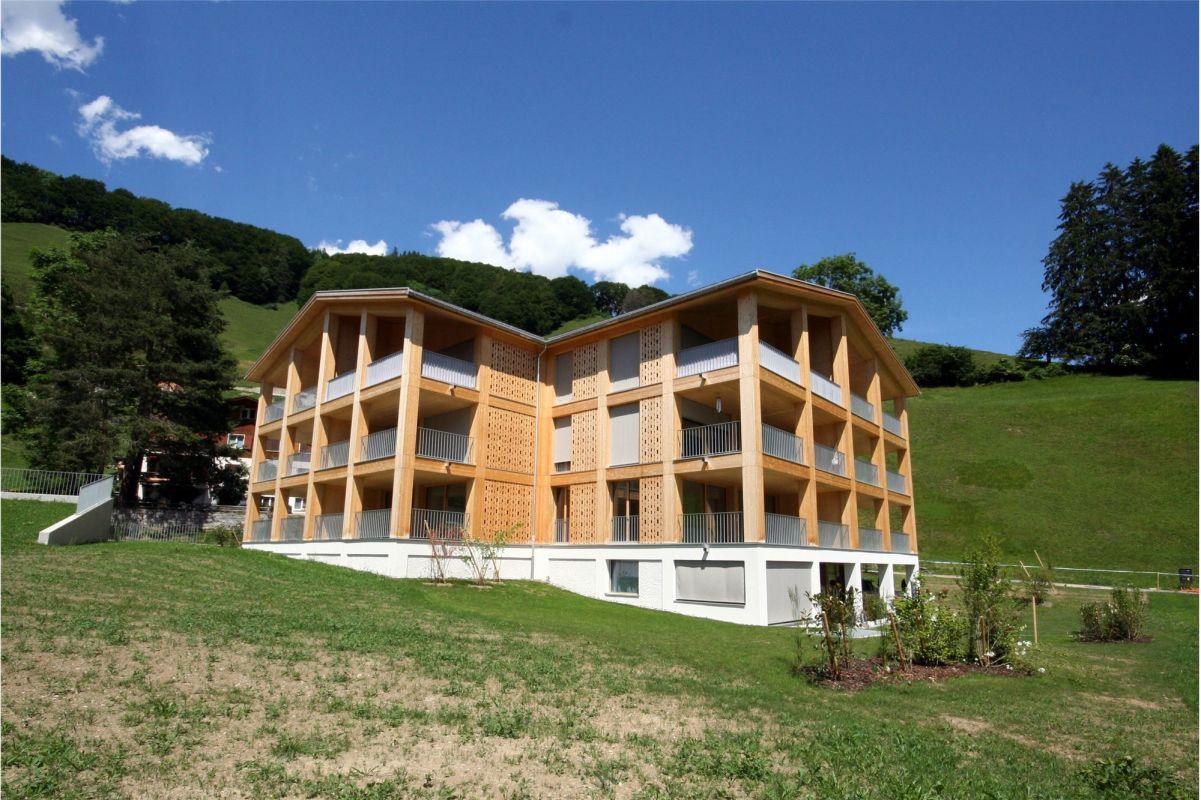 Herrliche Aussicht, 2½ Zimmer Neubauwohnung 1.OG Haus A 8