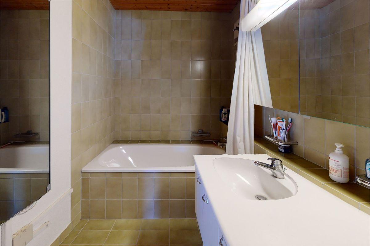 Badewanne, Lavabo, WC - 3 ½ Zimmerwohnung