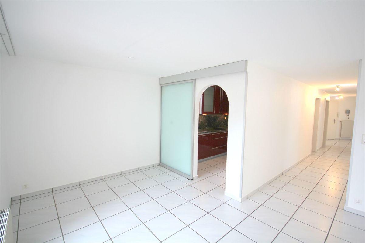 Wohnzimmer Zugang zu Küche