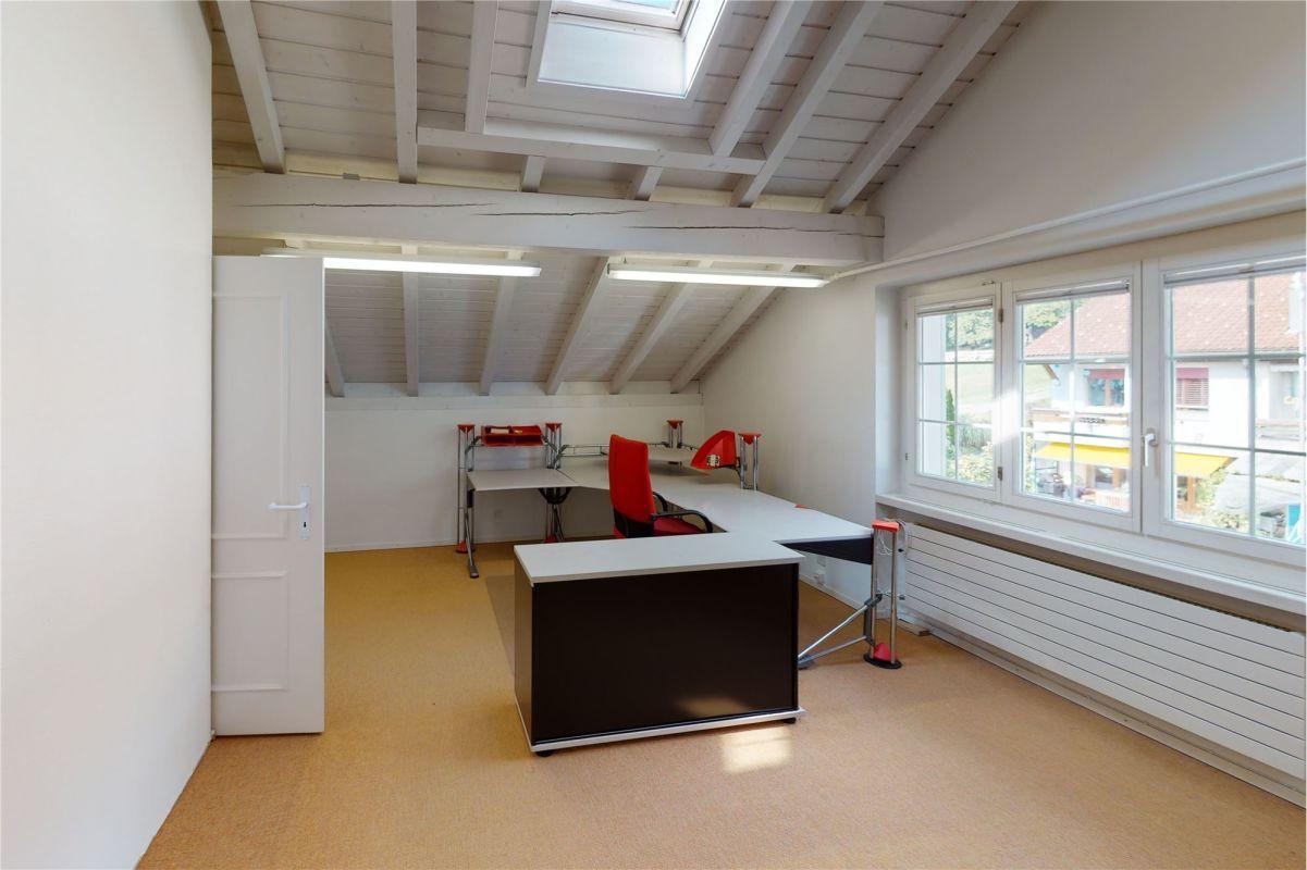 Zimmer/Büro im Dachgeschoss
