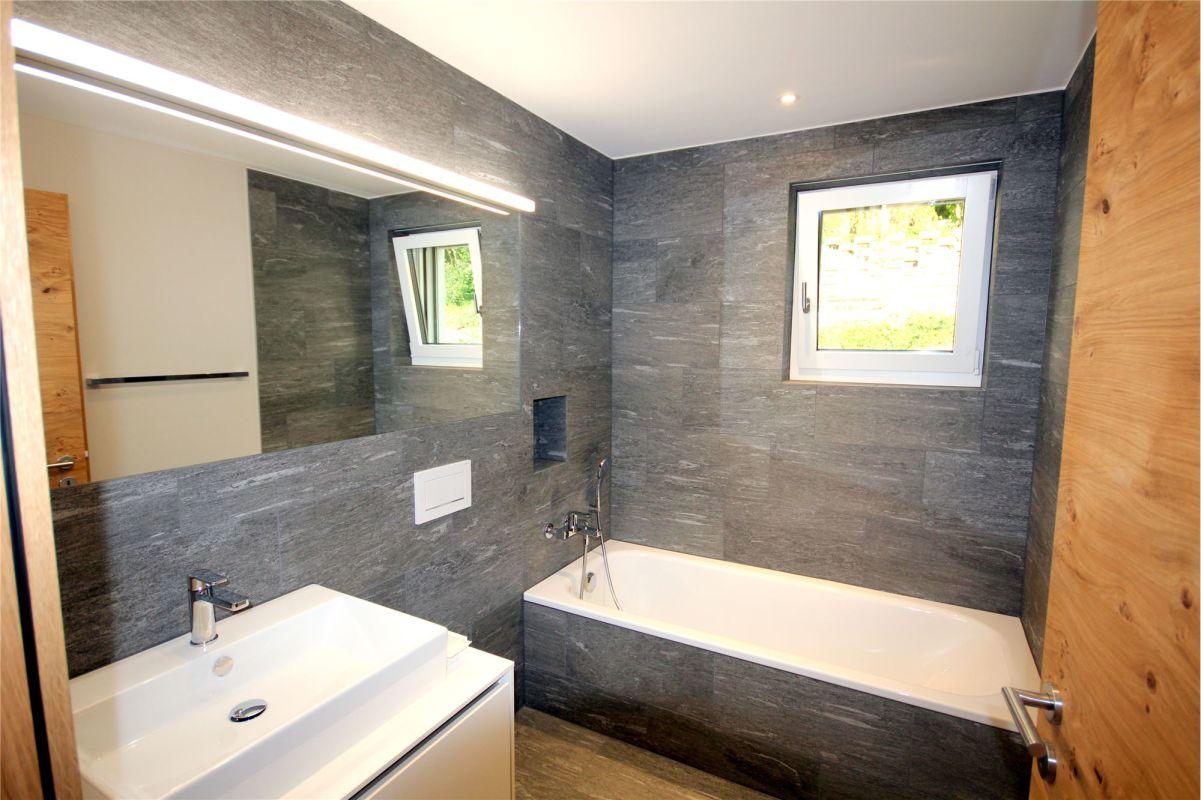 Badewanne, Lavabo, WC