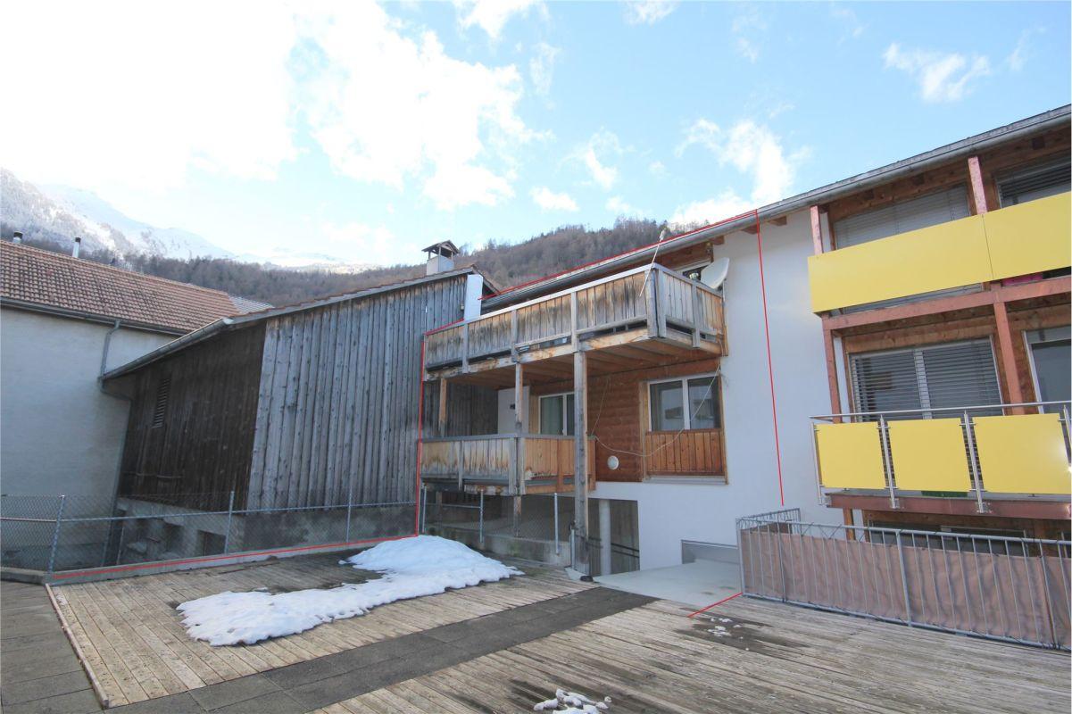 4 ½ Zimmer-Einfamilienhaus mit 2 Tiefgaragen-Parkplätzen