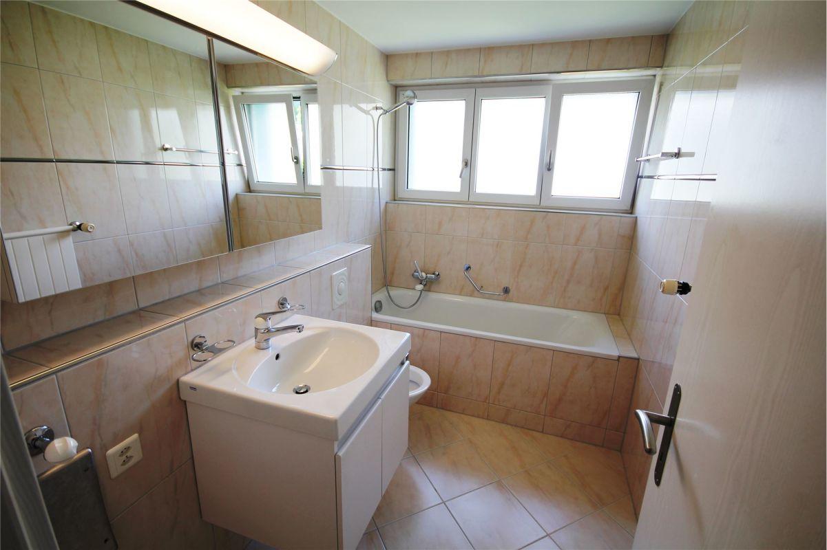 Lavabo, Badewanne, WC
