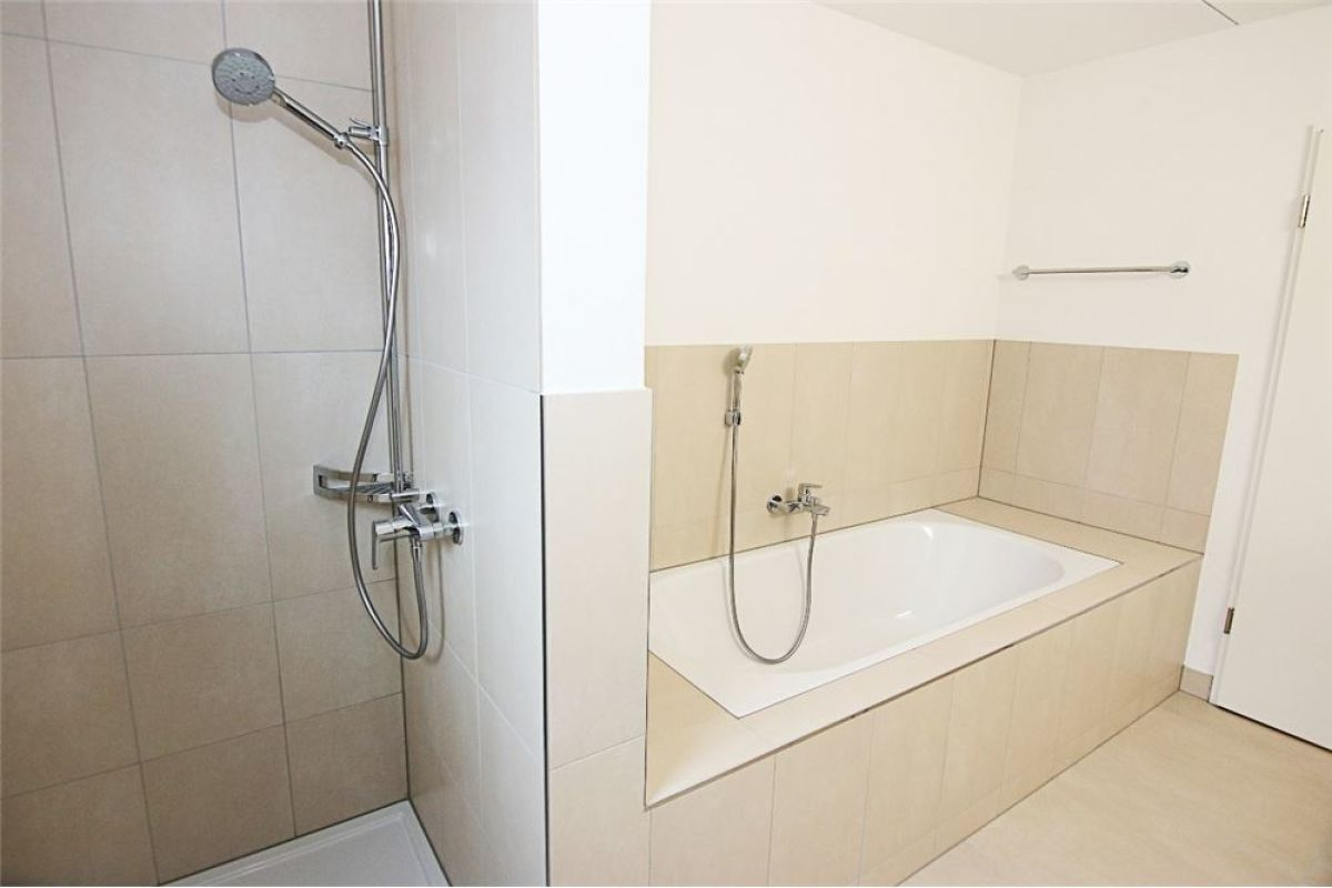 Moderne, helle 4.5 Zimmer Wohnung in Zizers
