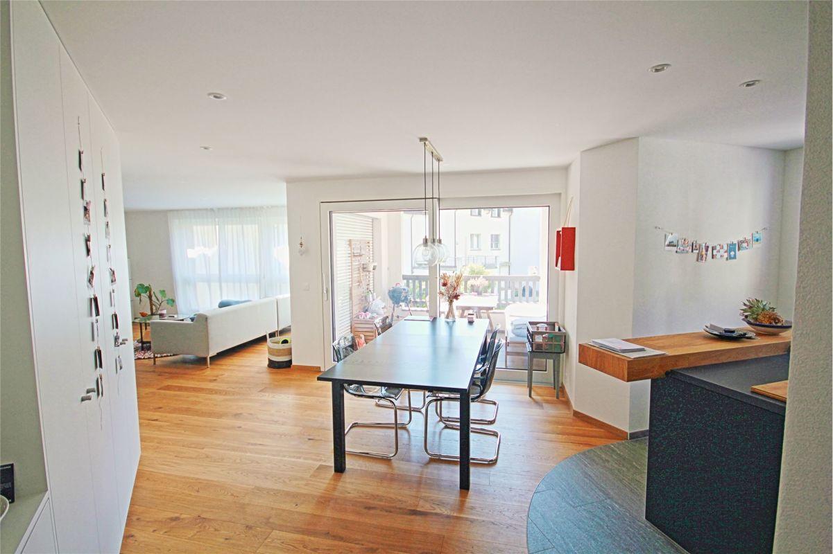 Wohnzimmer/Essbereich/Loggia