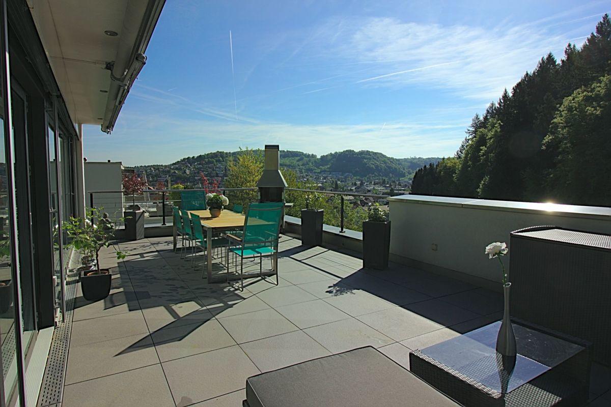 Terrasse mit Blick aufs Wynatal