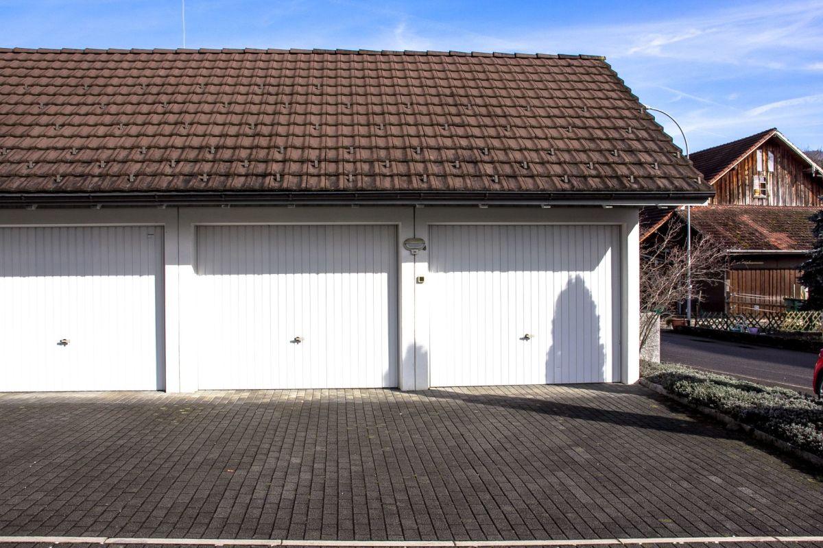 Einzelgarage mit einem grossen Estrich Preisvorstellung: pro Garage CHF 30'000