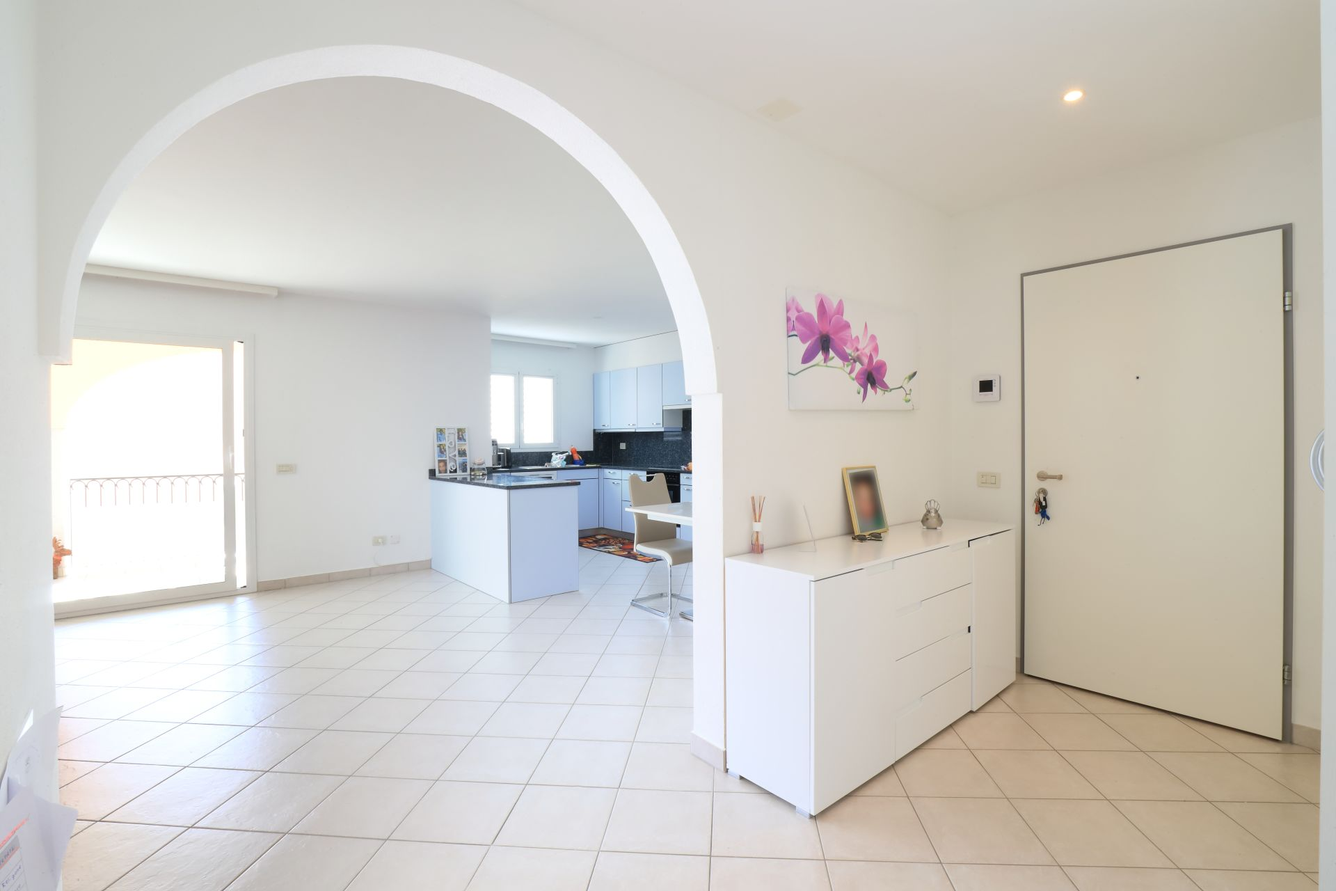 Grande, moderno e luminoso appartamento