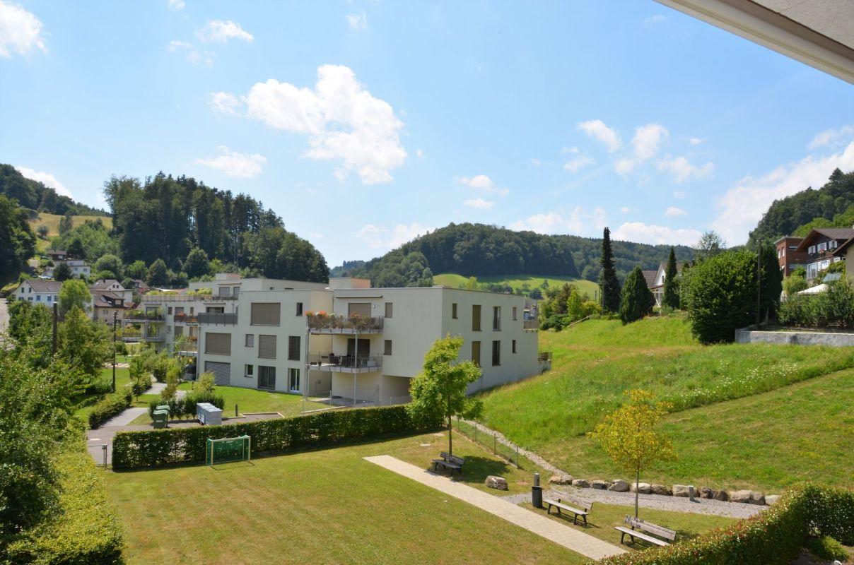Balkonsicht ins Grüne