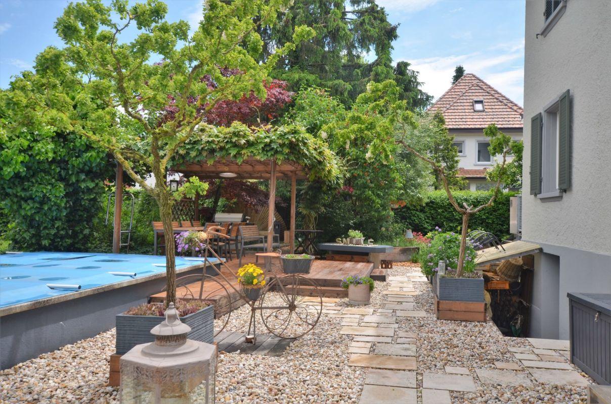 Garten mit Schwimmbad zur Mitbenutzung