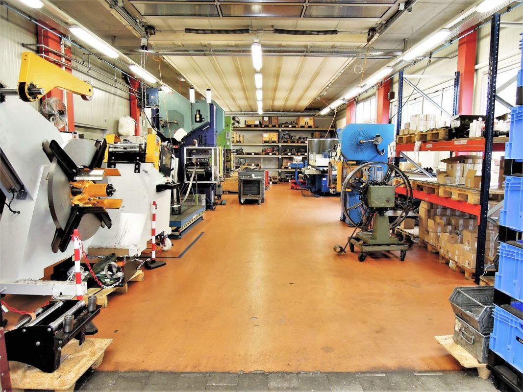 Werkstatt / Produktion Gebäude (C)